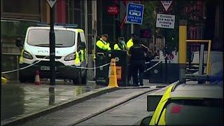 Négyen megsérültek egy késes támadásban Manchesterben, a terrorelhárítás nyomoz