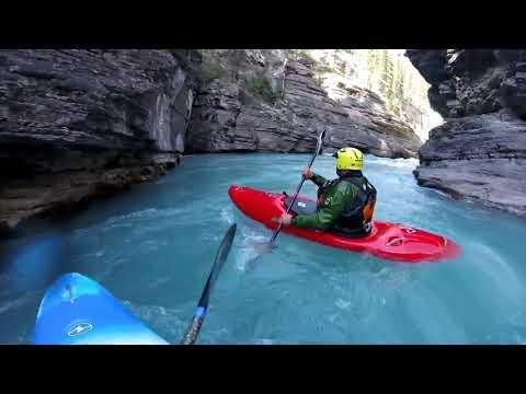 Kayaking Mistaya Canyon