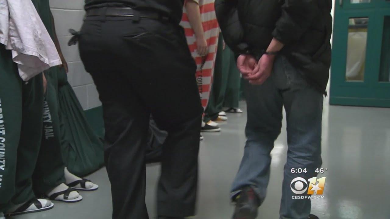 Tarrant County Sheriff Wants To Help ICE