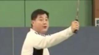 (四)如何挥动球拍 Badminton Backhand 4