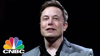 Elon Musk's Personally Responding To Questions And Complaints From His Customers | CNBC