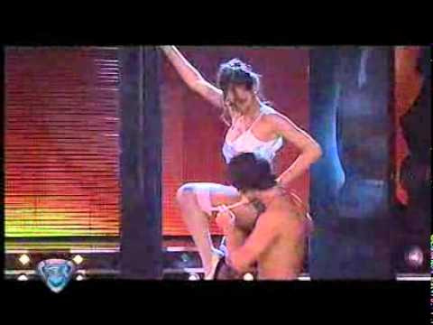 Showmatch 2008 - Pampita interpretó  Nueve semanas y media