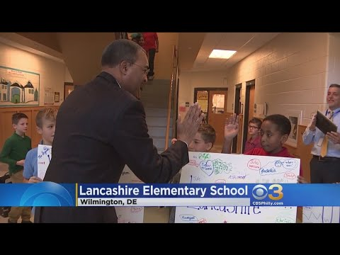 Ukee Washington Visits Students At Lancashire Elementary School