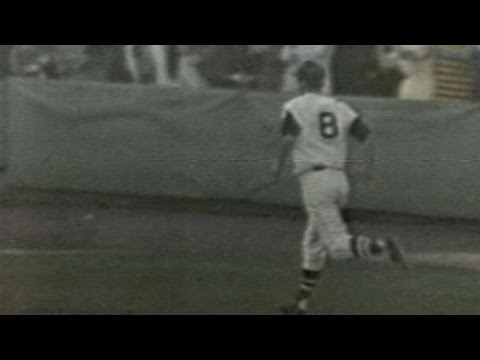 MIN@BOS: Yaz hits 44th home run of 1967 season