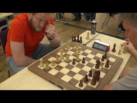GM Khismatullin, Denis – GM Shirov, Alexei, Slav defense, Blitz chess
