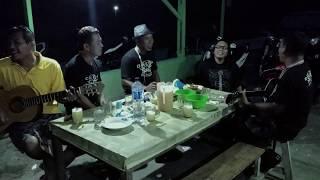 Omega Trio mardua holong Di Lapo Tuak ft Gibson Triamor, Deddy New mora.mp3