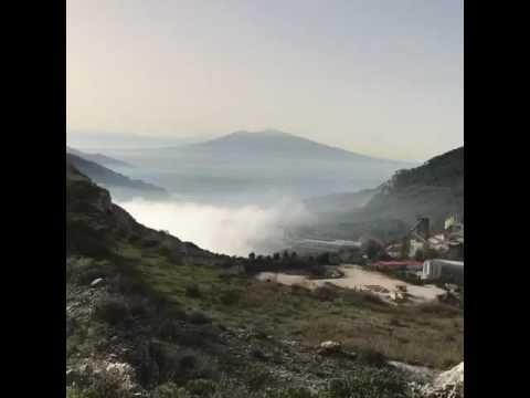 Veduta dall'alto nebbia su valle di Maddaloni - caserta
