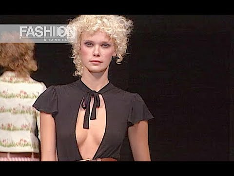 MOSCHINO CHEAP&CHIC Spring Summer 2003 Milan - Fashion Channel