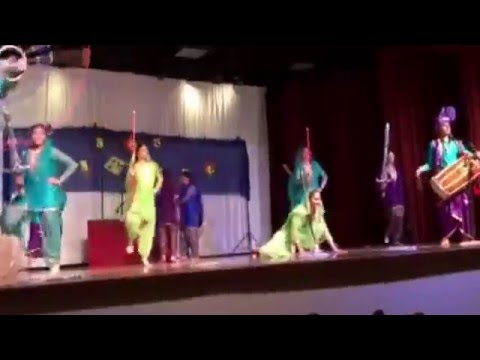 * Aao Nachiye - Vaisakhi Raat Performance 2016
