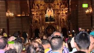 Ofrenda de UD LAS PALMAS  a la Virgen del Pino en Teror por el Ascenso