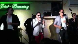 grupo extra - Tienes Algo - merengue (dirty dancing ortona)