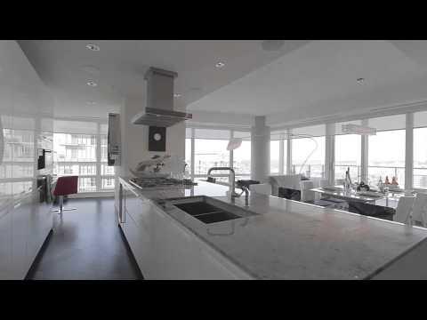 Shangri-La Hotel - Residences - Suite 3405, Toronto