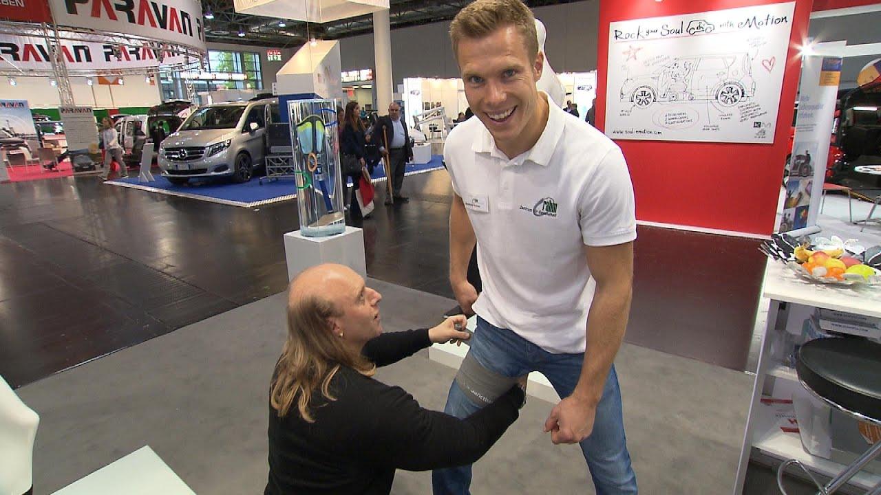 Sven Kruse demo flossing auf der rehacare nach sven kruse mit markus rehm