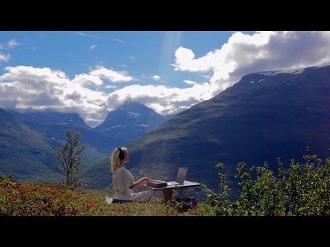 Sveinas Theme by Christine Hals
