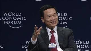 Quyền Bộ trưởng Bộ TT&TT Nguyễn Mạnh Hùng thảo luận bằng tiếng Anh trên diễn đàn WEF ASEAN 2018