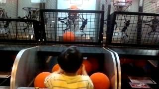 再度打破紀錄-6歲超準的投籃機小神童-710分