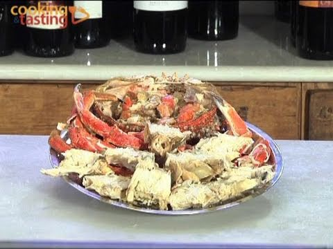 How To Cook Live Crab >> Centolla Diferenciar entre macho y hembra / How to cook and prepare spider crab - YouTube