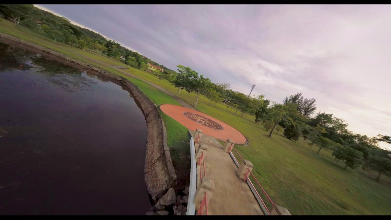Cinematic flight around Millennium Park | FPV Drone фотки