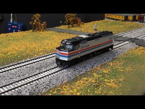 Review: Rapido's HO Scale F40PH in Amtrak Scheme w/ ESU LokSound