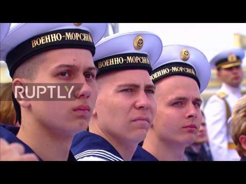 Russia: Putin celebrates Navy Day in St. Petersburg