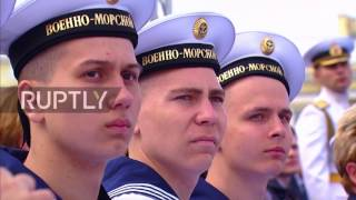 Russia  Putin celebrates Navy Day in St  Petersburg