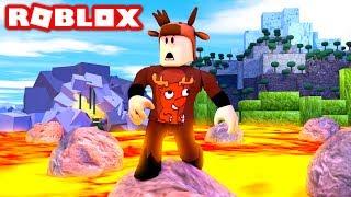 FLOOR IS LAVA CHALLENGE IN ROBLOX! (Roblox Floor is Lava)