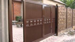 видео купить ворота с калиткой с элементами ковки