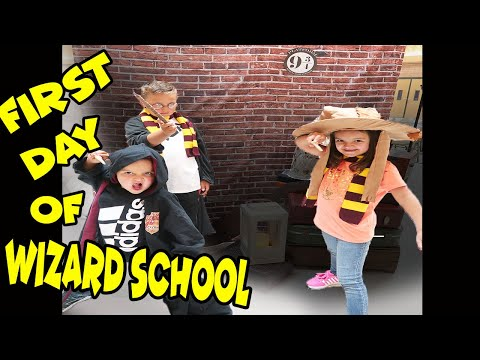 Our FIRST DAY at HOGWARTS school for WIZARDS!