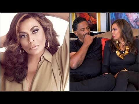 Beyonce's Mom EMBARRASSED Her 0wn Husband During Interview