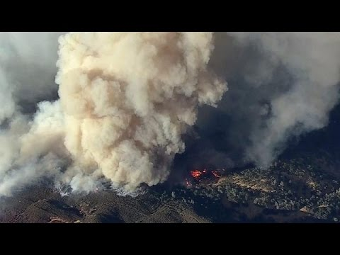 Firefighters battle major wildfire in US state of California