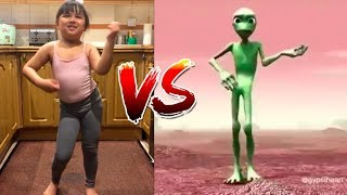Baixar Nepalese Cute Family vs Alien
