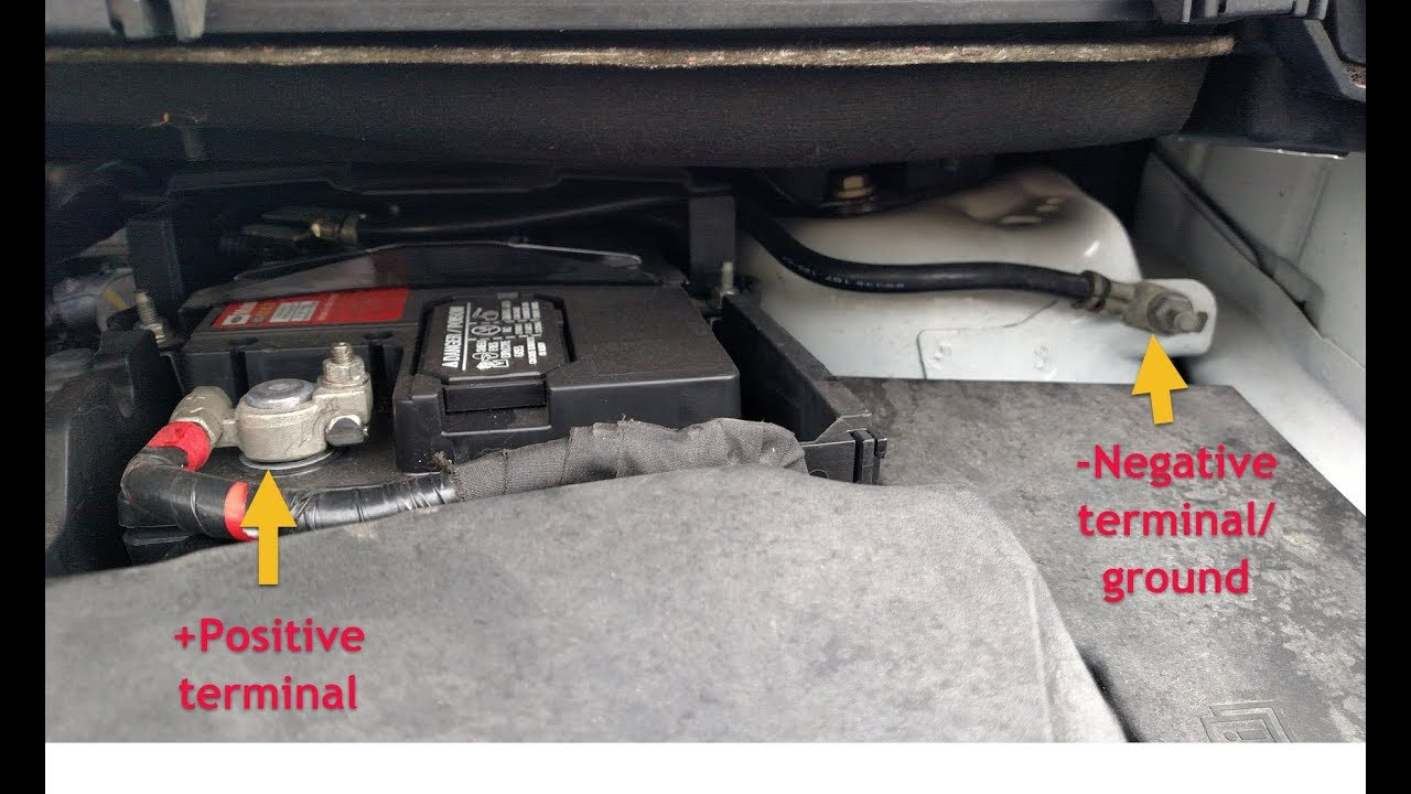 how to change the battery in a ford focus