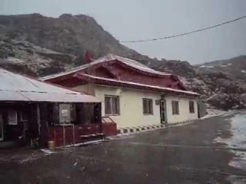 baba mandir snowfall