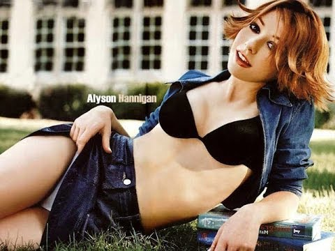 alyson hannigan boobs