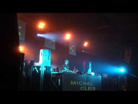 Michel Cleis @ Altavoz Rivolta 8/10/2011 featuring Jamie Woon Lady Luck