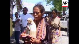 EAST TIMOR: REFUGEES RETURNING TO CELEBRATE CHRISTMAS  (V)