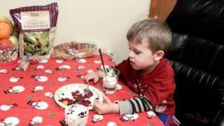 Papam iaurt cu fructe + Cantecul ABC cu toate literele corect