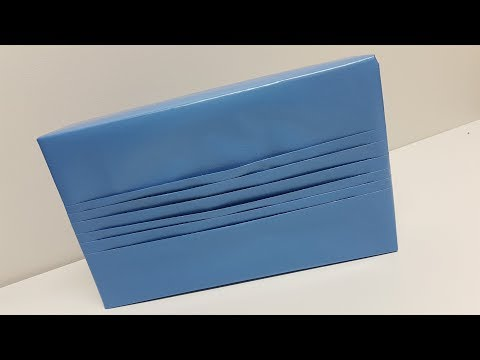Japanese pleat Gift Wrapping - Vlogmas Day 2