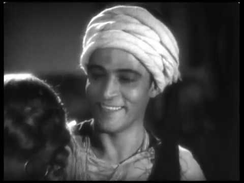 THE SON OF THE SHEIK (1926) - Rudolph Valentino, Vilma Banky