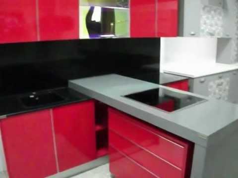 Cocinas en murcia cocina rojo brillo con encimera gris