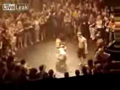 Capoeira Vs Kickboxer, Crazy Ko!