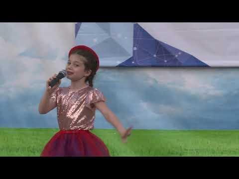 """Наши звездочки - Ясмина Абайдулина - """"Песня Красной шапочки""""... г.  Адыгейск"""