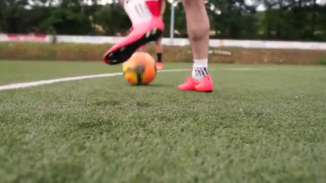 new style 7bd87 3aa8b Neymar VS Hazard Boot Battle Nike Hypervenom vs Mercurial Vapor X Test    Review