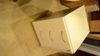 видео Тумба подкатная (3 ящика, с замком)