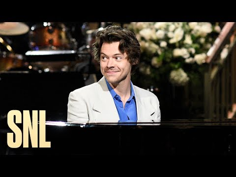 Harry Styles - 'SNL' Monologue & Sketches