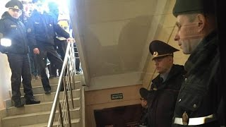 Судовы канвеер жорстка карае пратэстоўцаў | Суды над участниками протеста нетунеядцев