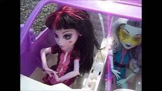 Video Monster High Scary Cool Sleepover download MP3, 3GP, MP4, WEBM, AVI, FLV Desember 2017