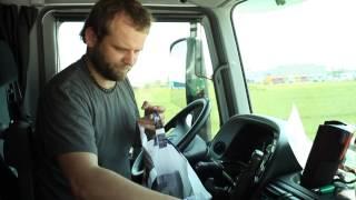 Przygotowanie ciężarówki do jazdy - kabina kierowcy