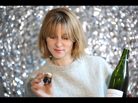 Poppin' Bottles: Two Ways To Open Champagne