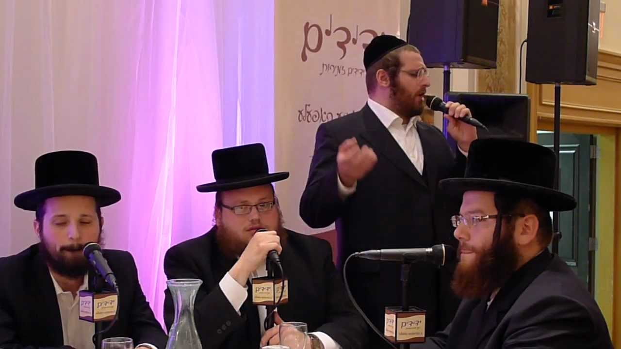 Cantor Yakov Rosenfeld sings V'Liyerushalayim Eercha at Beis Lepleitos Dinner in Monsey